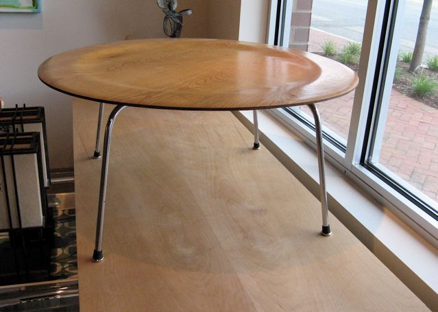 Metro modern charles eames ash ctm coffee table for Table ronde charles eames